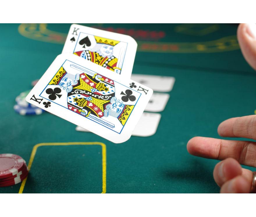 カリビアンスタッド オンラインカジノ